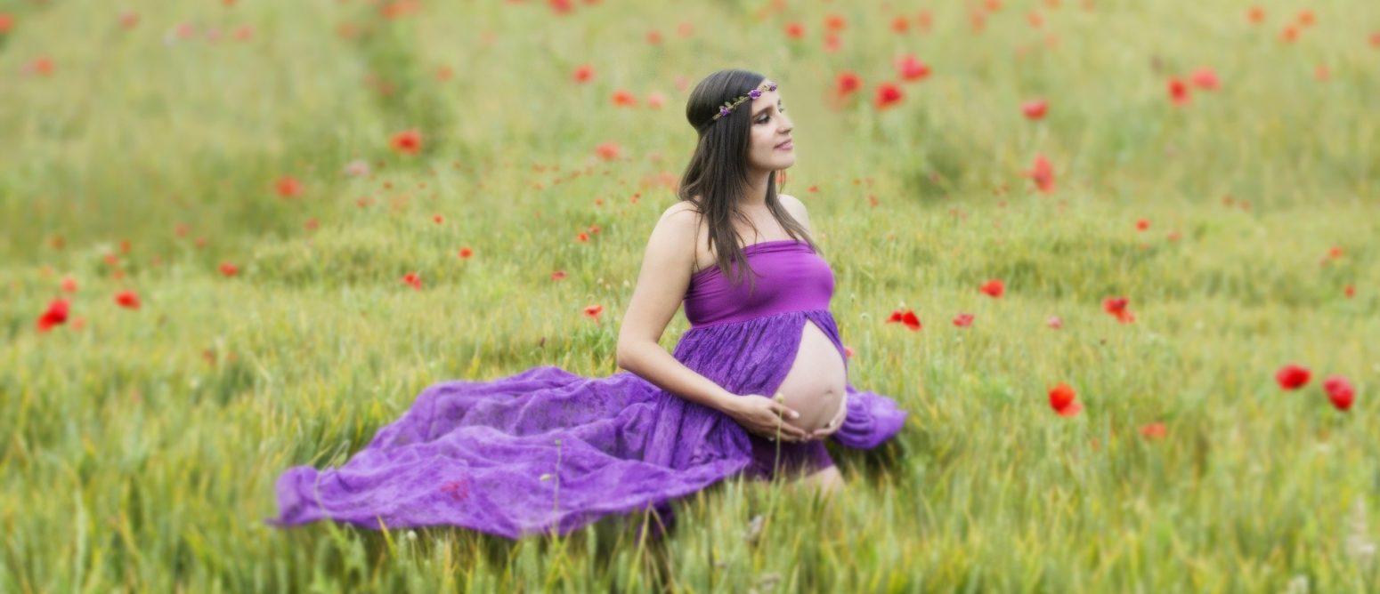 צילום הריון אומנותי בטבע