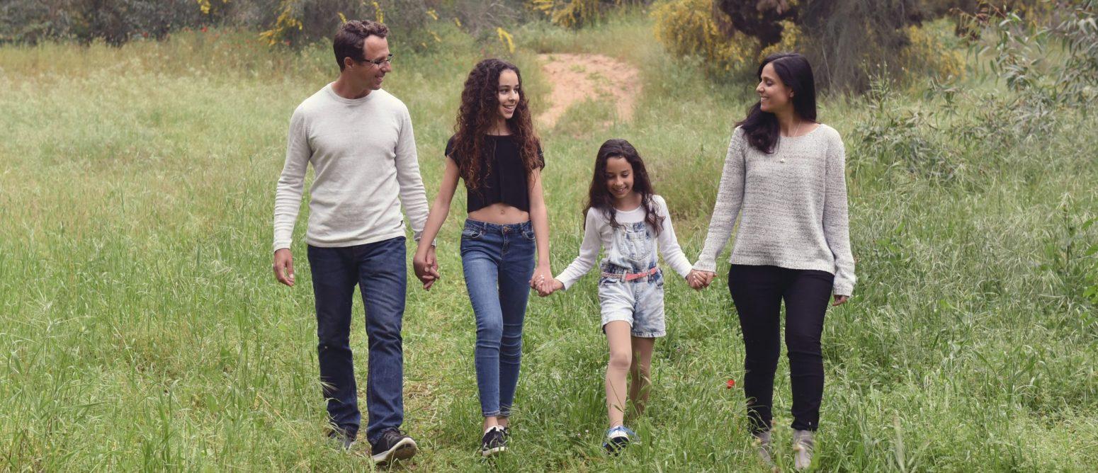 צילום משפחה וילדים בטבע